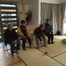 阿蘇仮設住宅のみなさんへのボッチャ競技の紹介報告の画像